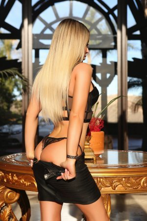 Genia erotic massage, live escort