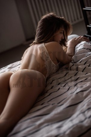 Linda escort girl and erotic massage